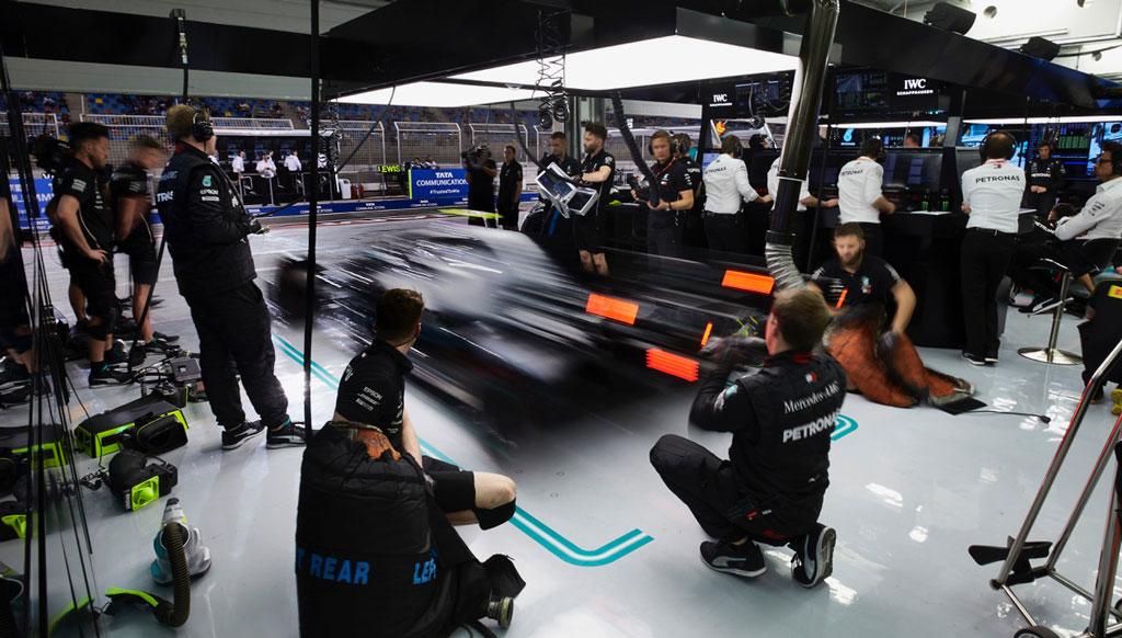 Oficina Mercedes-AMG Petronas Motorsport: muito mais do que pintar