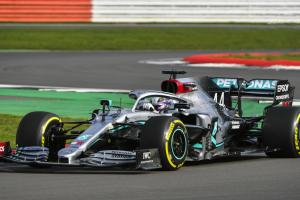 Spies Hecker afina imagem da equipa Formula One Mercedes-AMG Petronas