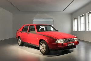 02 - Museu-do-Caramulo-tem-novo-inclino-Alfa-Romeo-75-1.8-Turbo