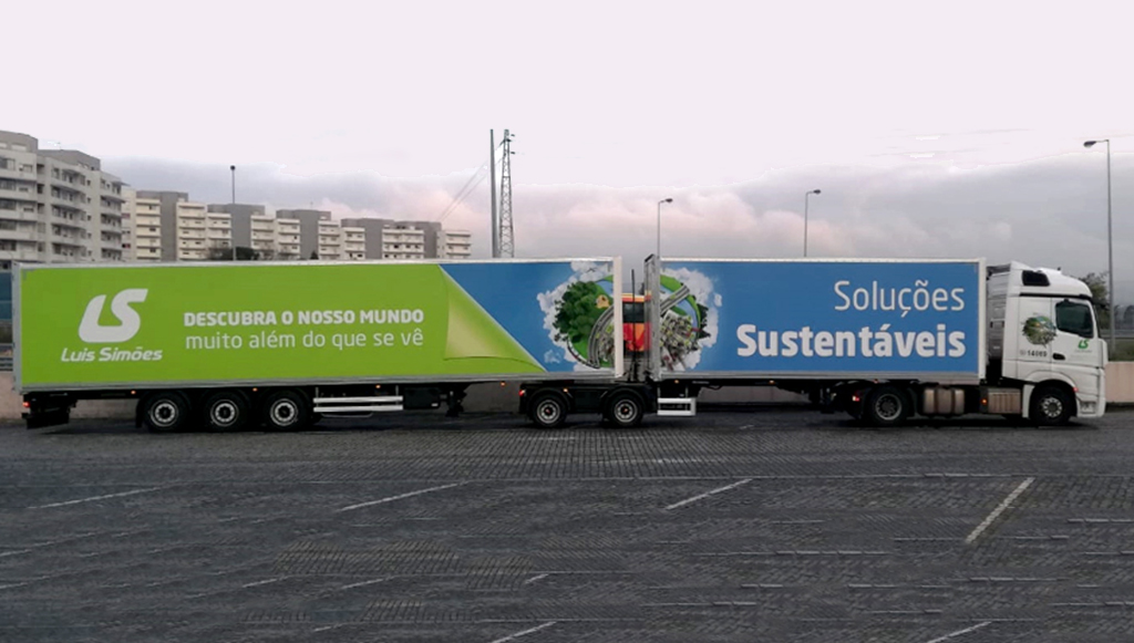 04 - Luis-Simoes-aposta-em-transporte-sustentavel-com-dois-megacamioes